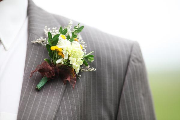 Свадебные бутоньерки своими руками из живых цветов